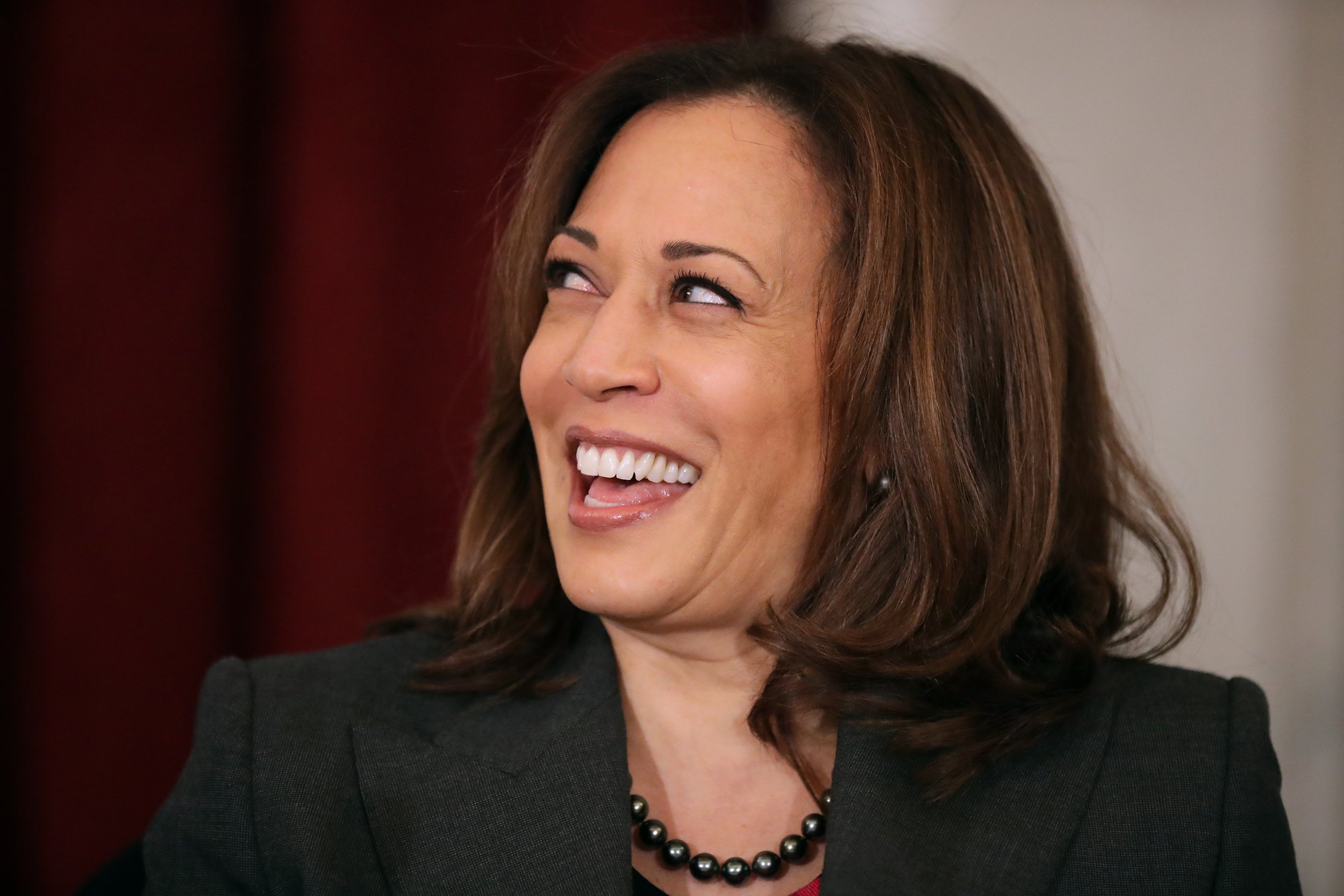 kamala harris dances to cardi b