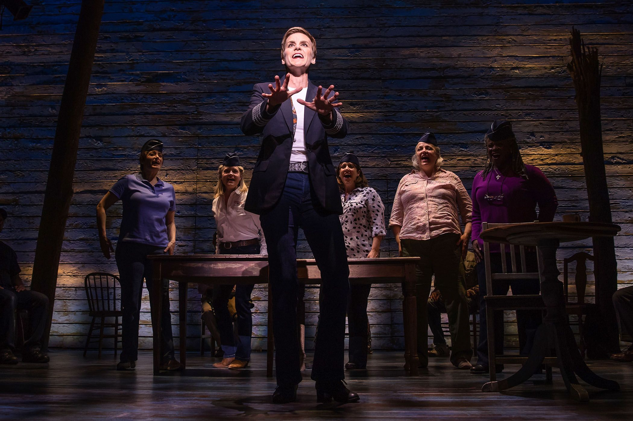 [4]_Jenn Colella and the cast of COME FROM AWAY, Photo by Matthew Murphy, 2017 (1)