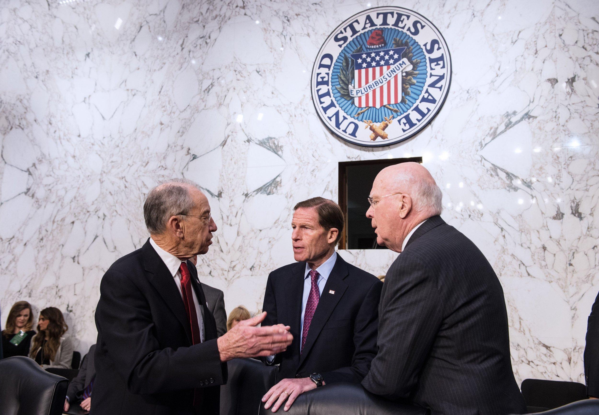 Mueller, Report, Public, William, Barr, Senators