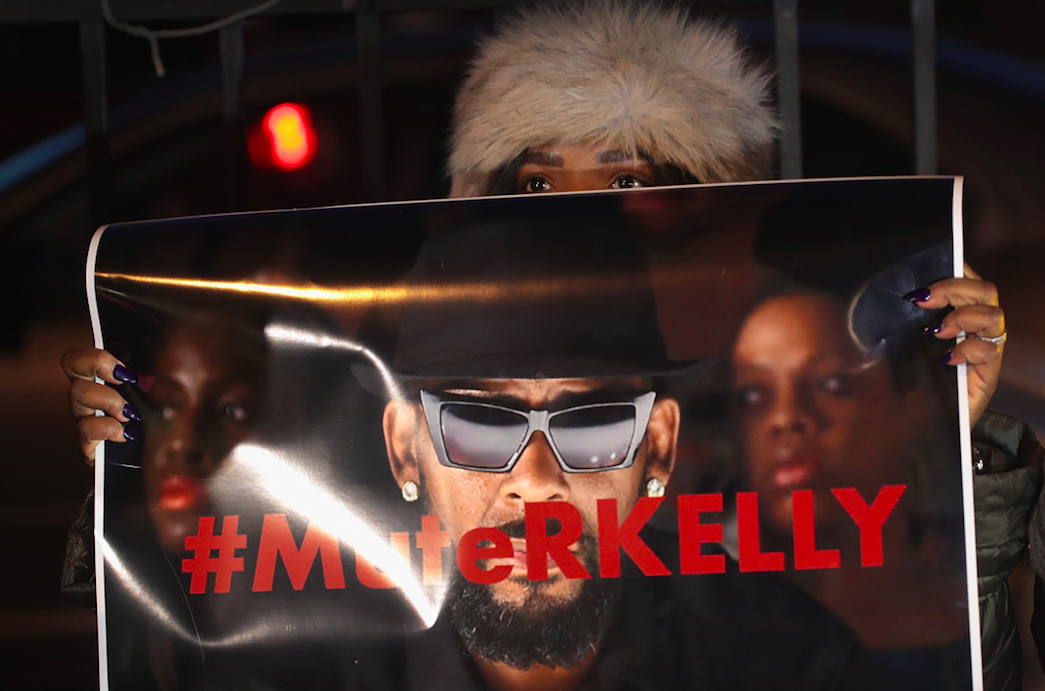 R. Kelly's Ex-Girlfriend Halle Calhoun Said She Dumped Singer Because 'I Wasn't With His Type of Bulls**t'