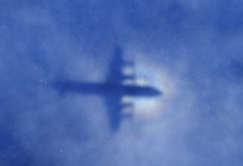 Plane searching for MH370