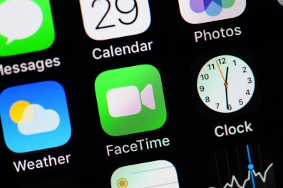 facetime bug apple pulls group calling eavesdrop how to disable facetime