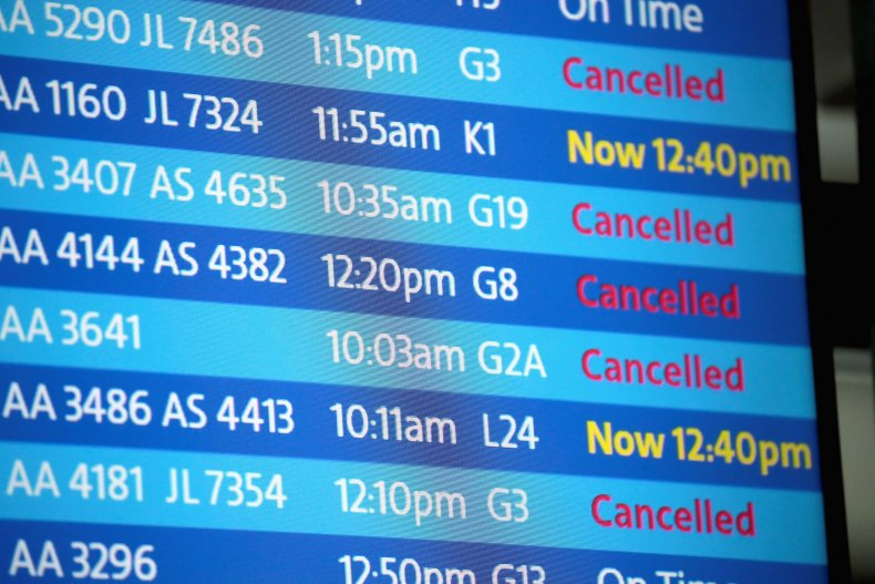 winter storm flight cancellations chicago grand rapids