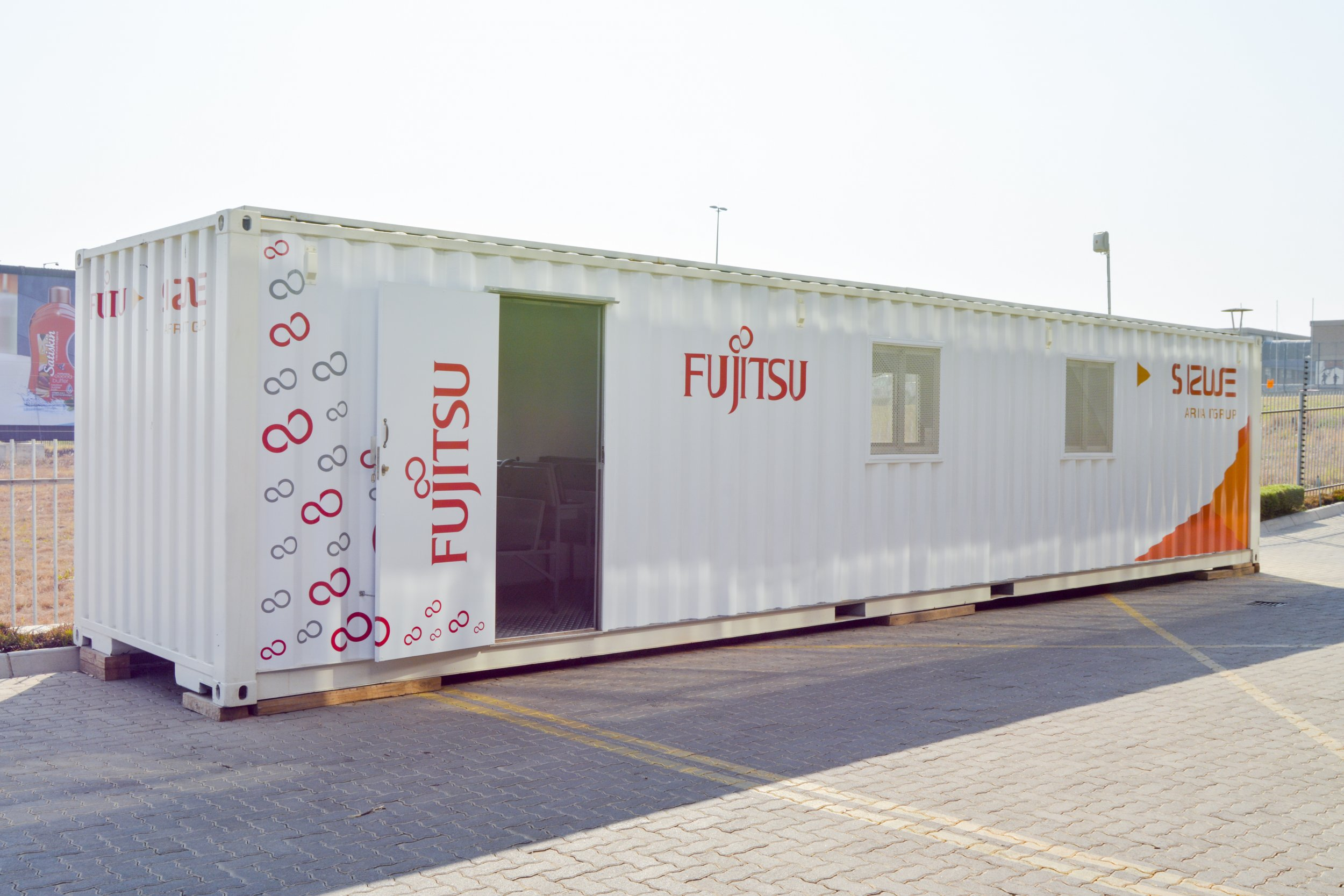 Movable container typed The Edu-Smart Green Centres with solar panel
