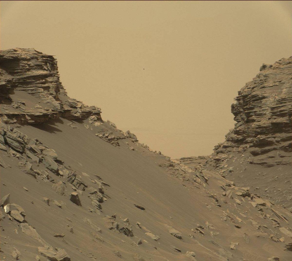 16 8020_mars-curiosity-rover-msl-rock-layers-PIA21042-full2NASA Mars Rover