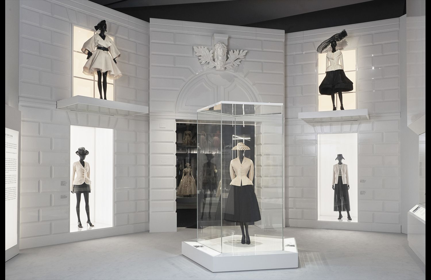 Christian Dior Designer of Dreams exhibition_The New Look section