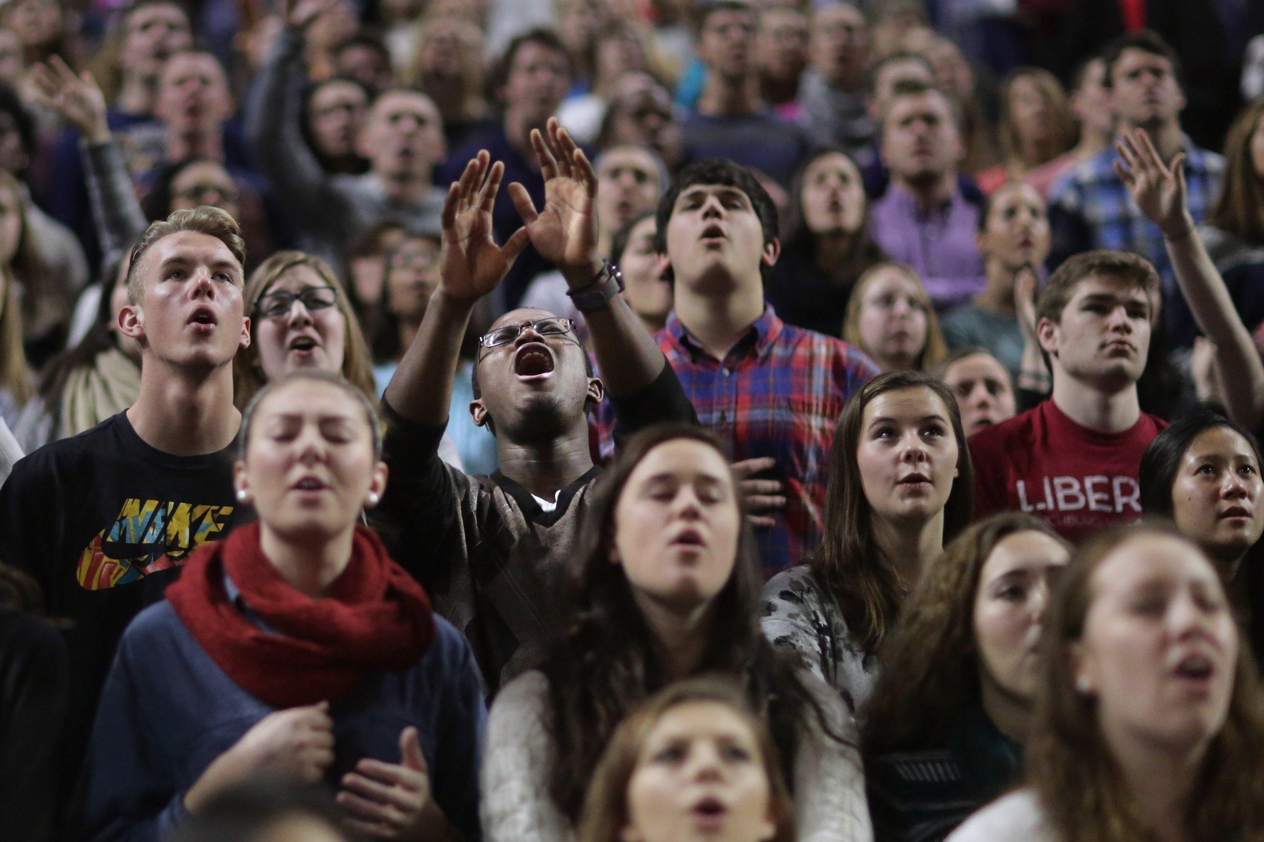 students pray iowa