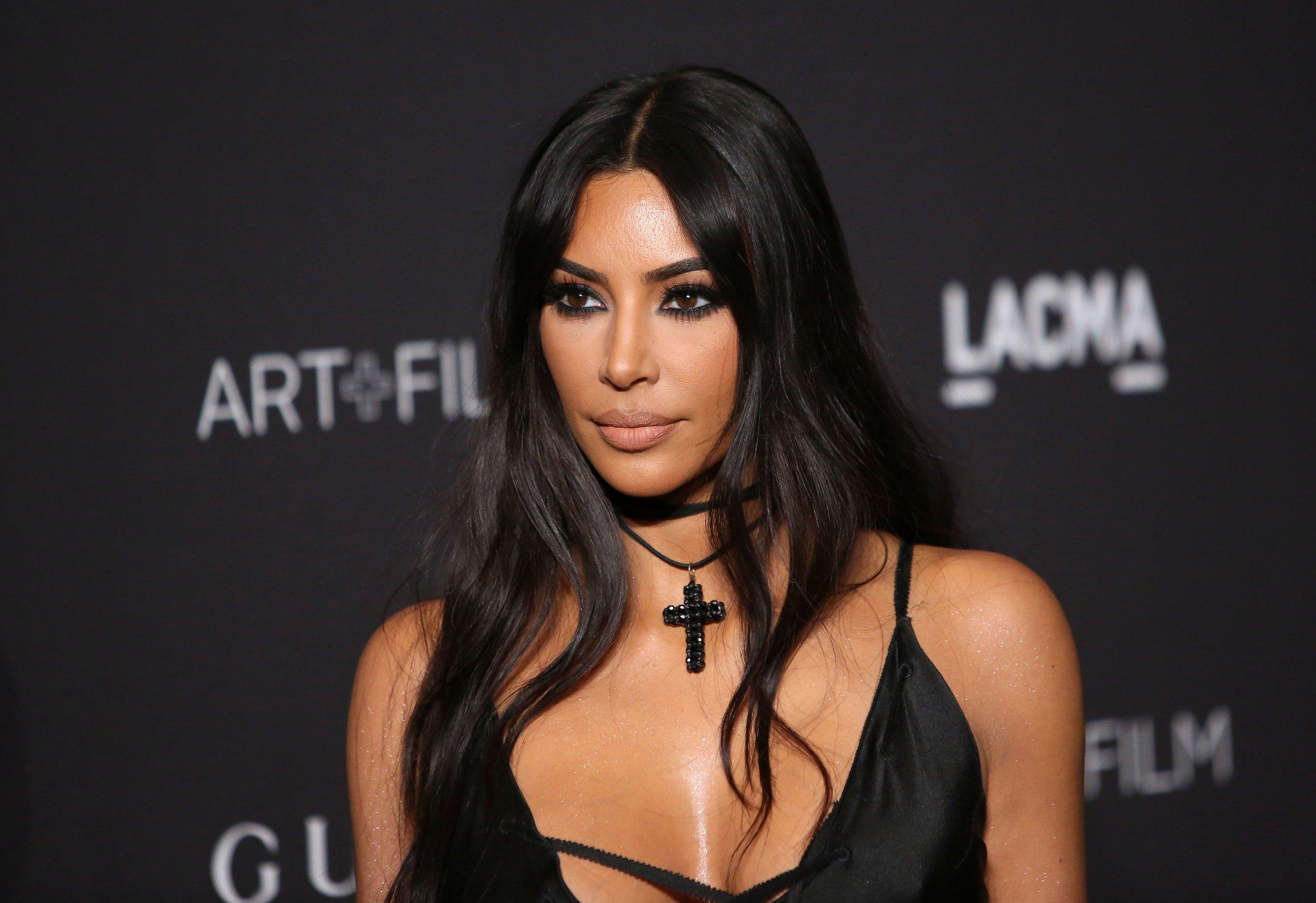 Kim Kardashian Calls Out Tabloid