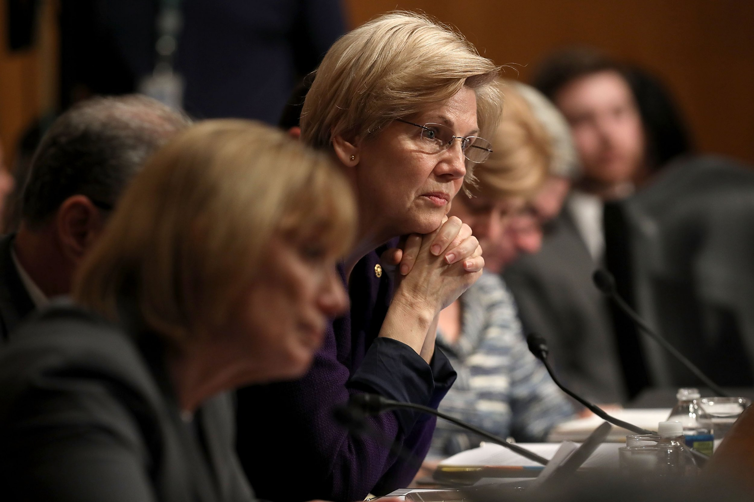 Elizabeth, Warren, Trump, veterans, affairs