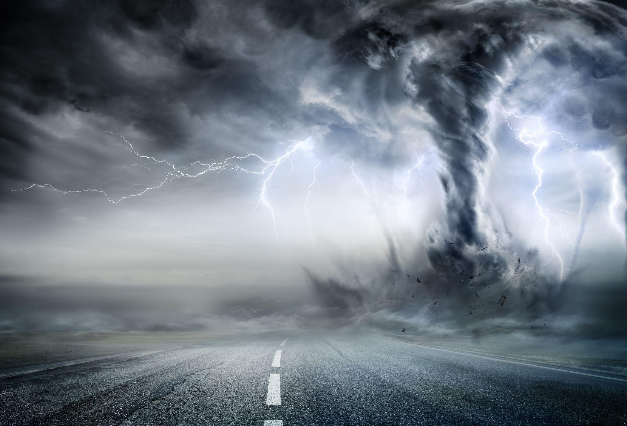 extreme weather tornado lightning