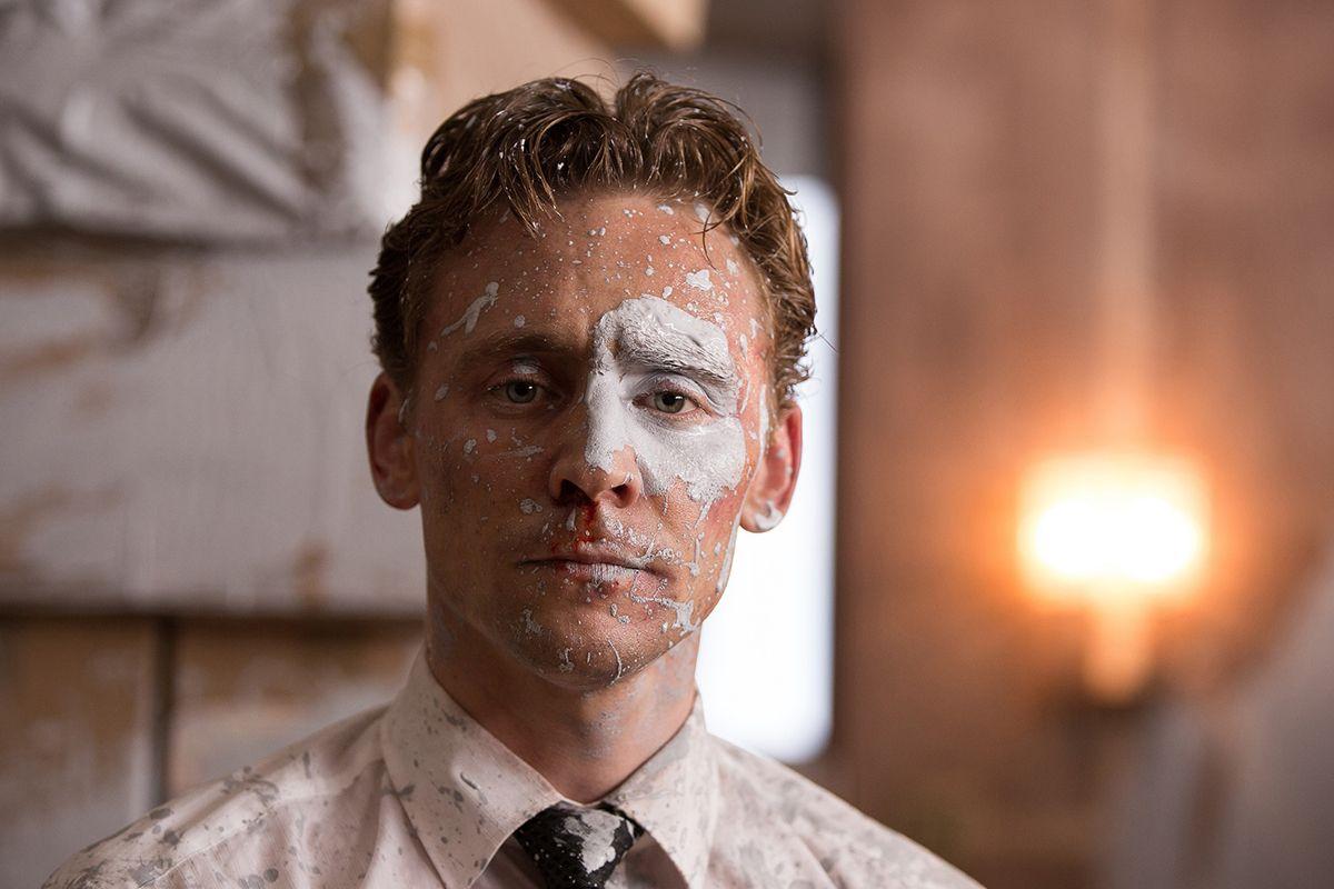 02 High-Rise Tom Hiddleston
