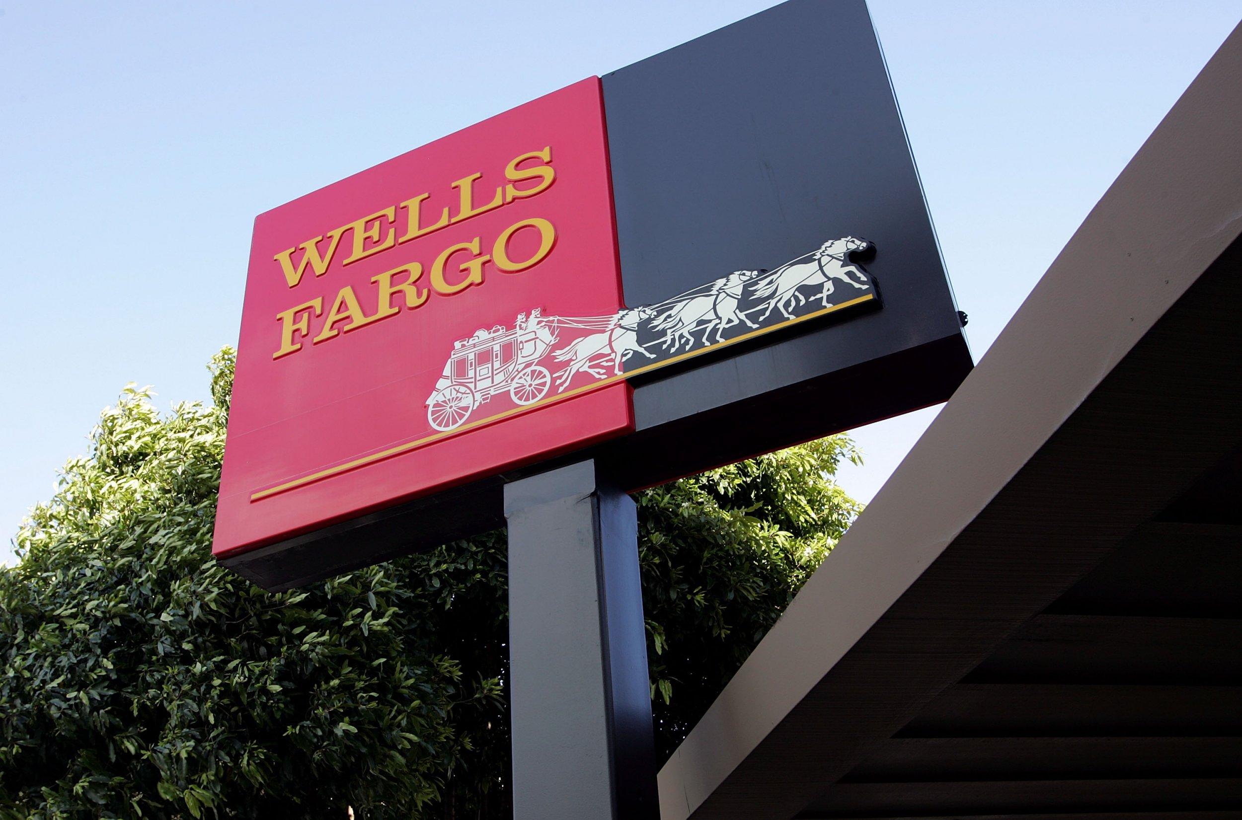 wells fargo sign outside branch