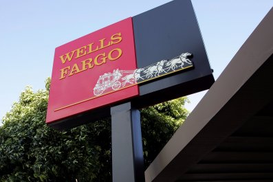 wells fargo sign outside branch