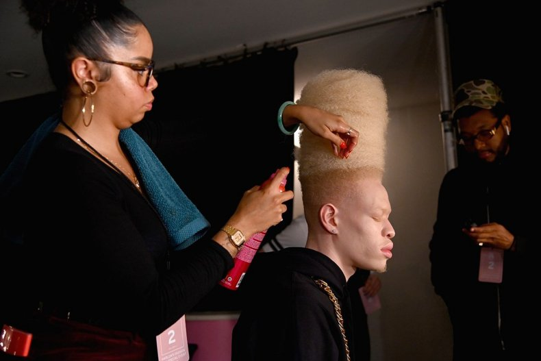 02 New York Fashion Week 2019 backstage GettyImages-1094653680