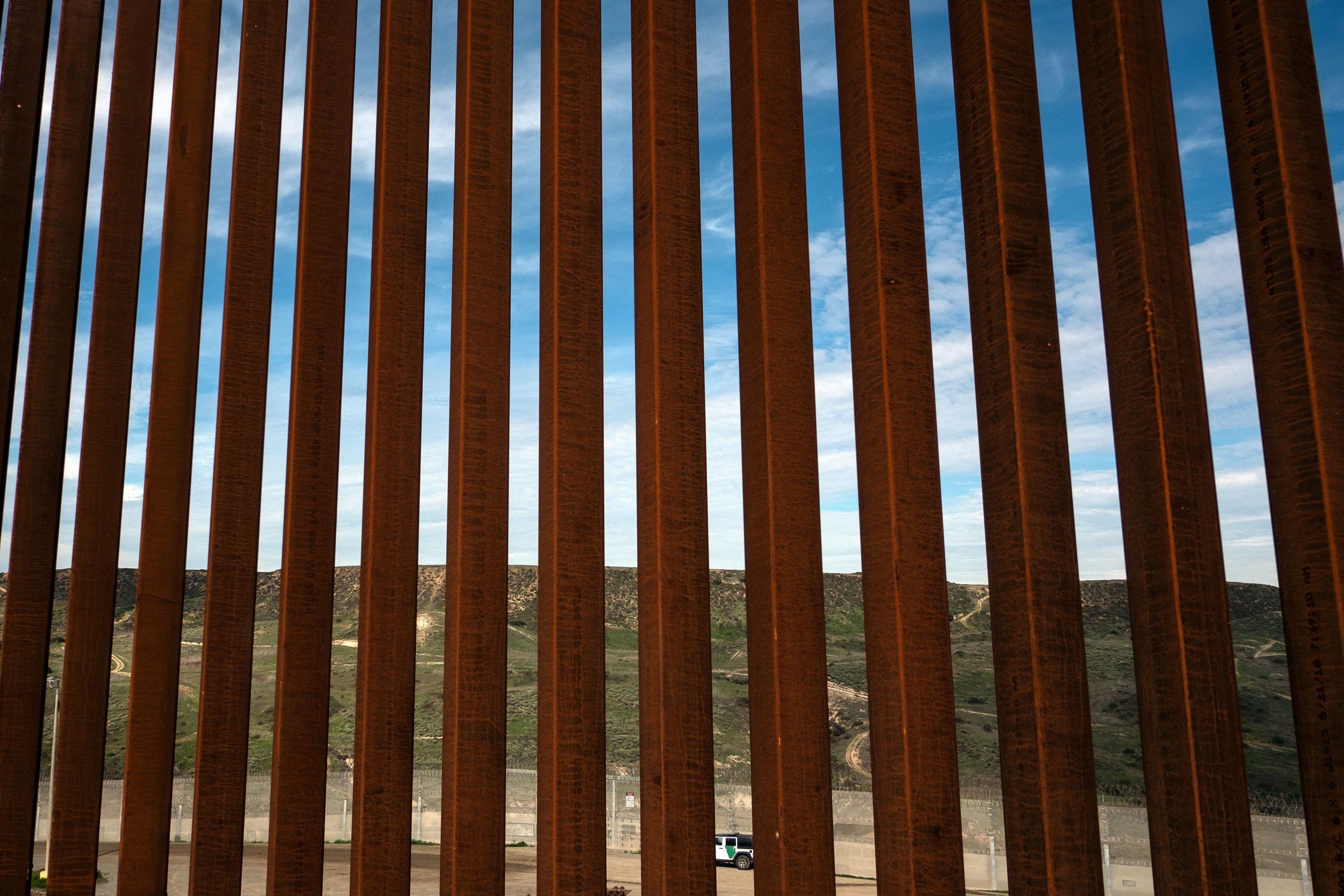 hell has open borders controversy border wall ad