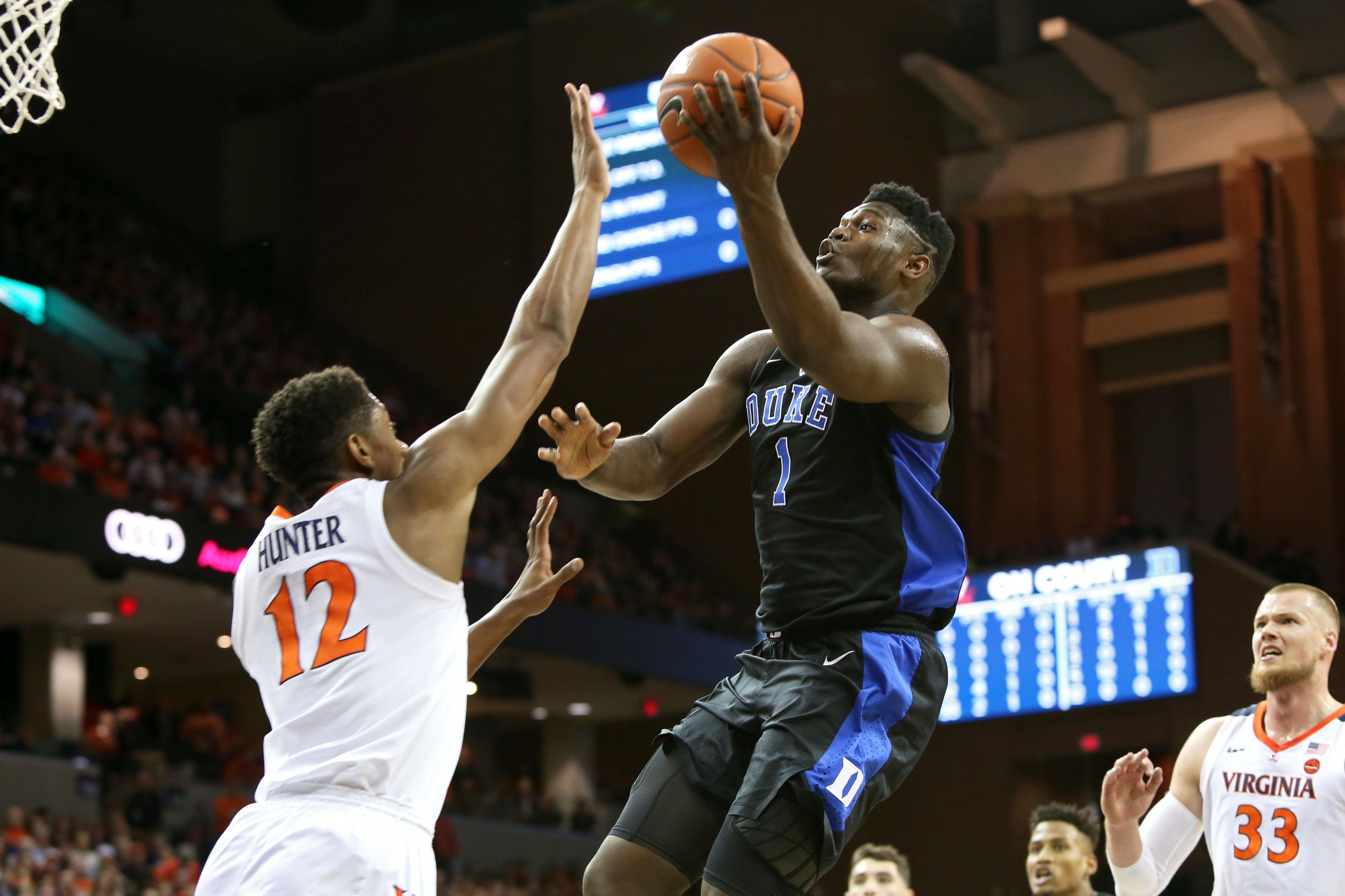best sneakers c8a0d 398c6 Video: Zion Williamson Pulls off Impossible Block in Duke's ...