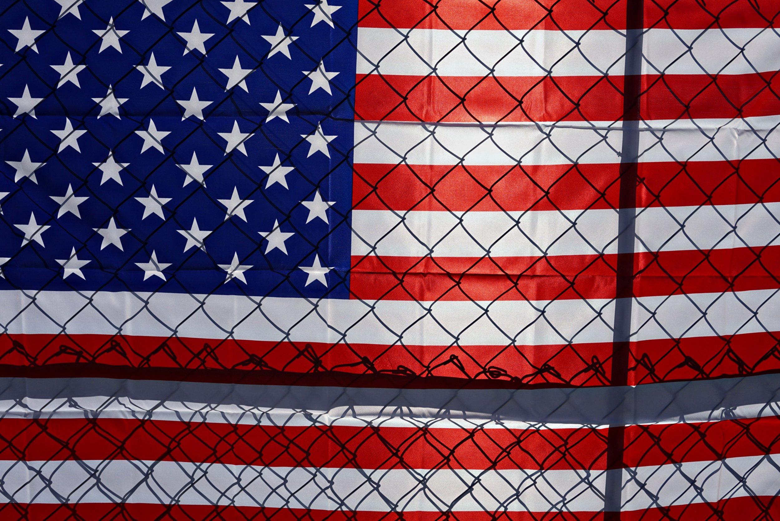 Mexico-Wall-Trump-Tijuana-Ysidro-Asylum-Seekers-1073979130