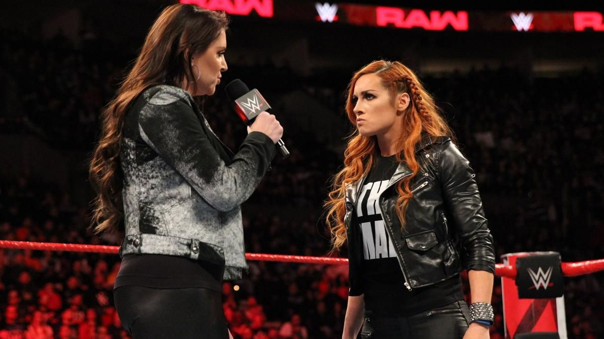 becky lynch and stephanie mcmahon wwe monday night raw