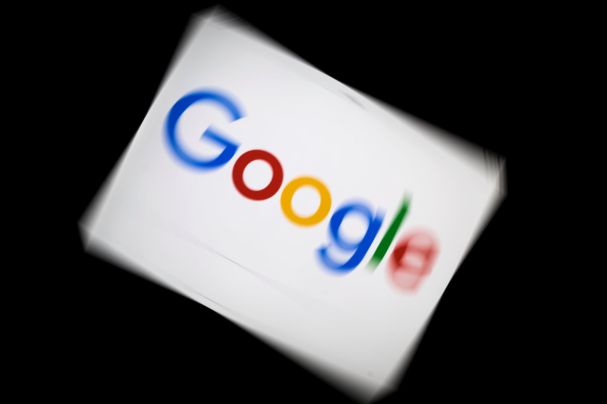 google logo blur