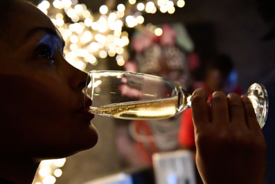 How to Celebrate Valentine's Day With Wine and Champagne