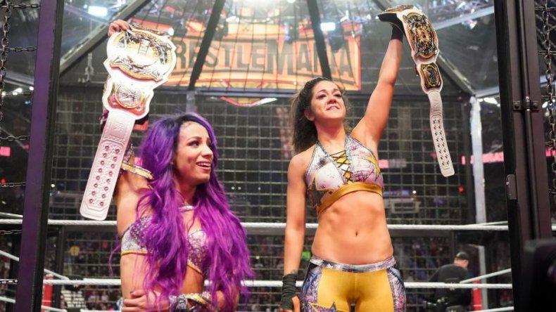 sasha banks and bayley win womens tag team championships