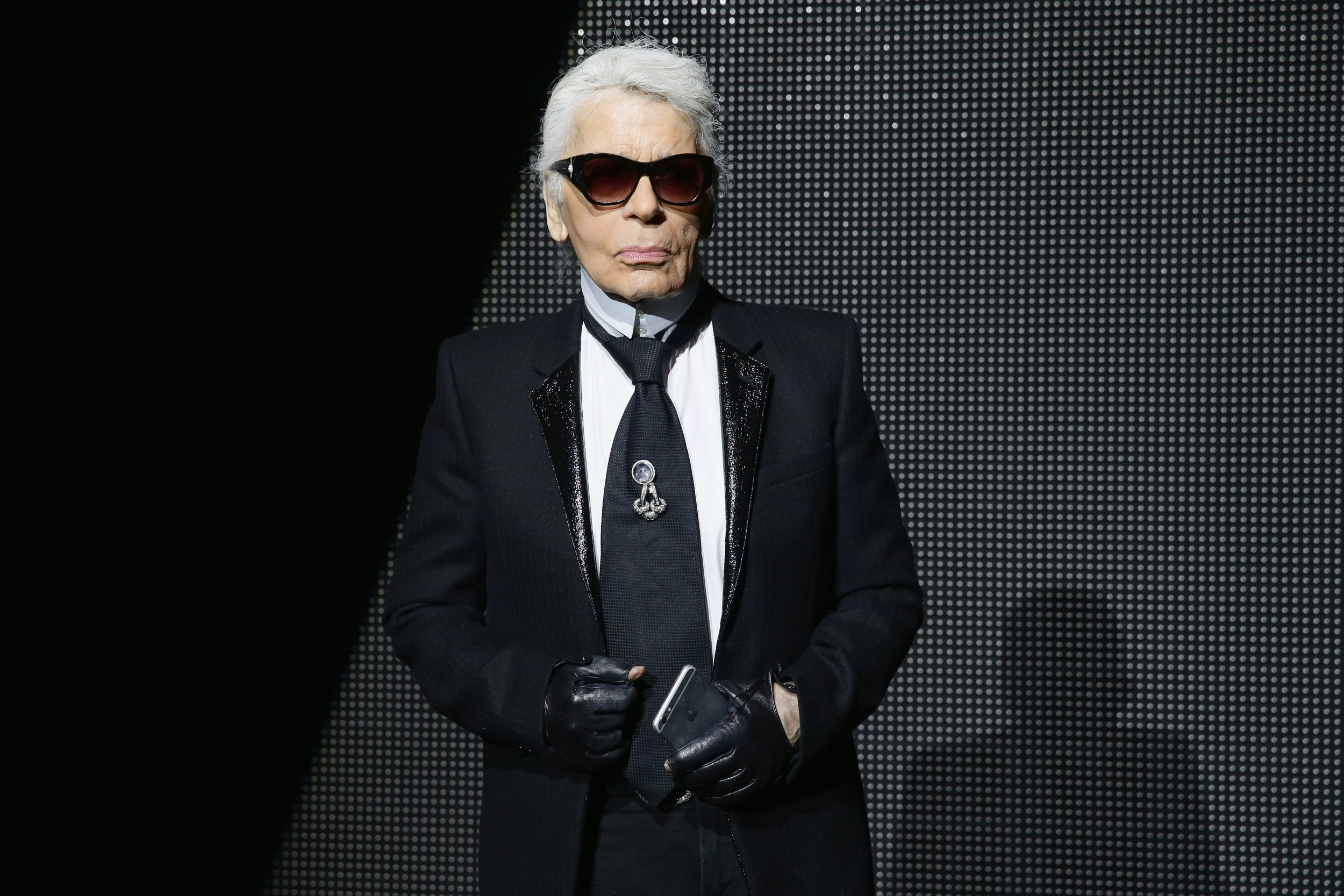 Legendary fashion designer Karl Lagerfeld dead aged 85 - French reports