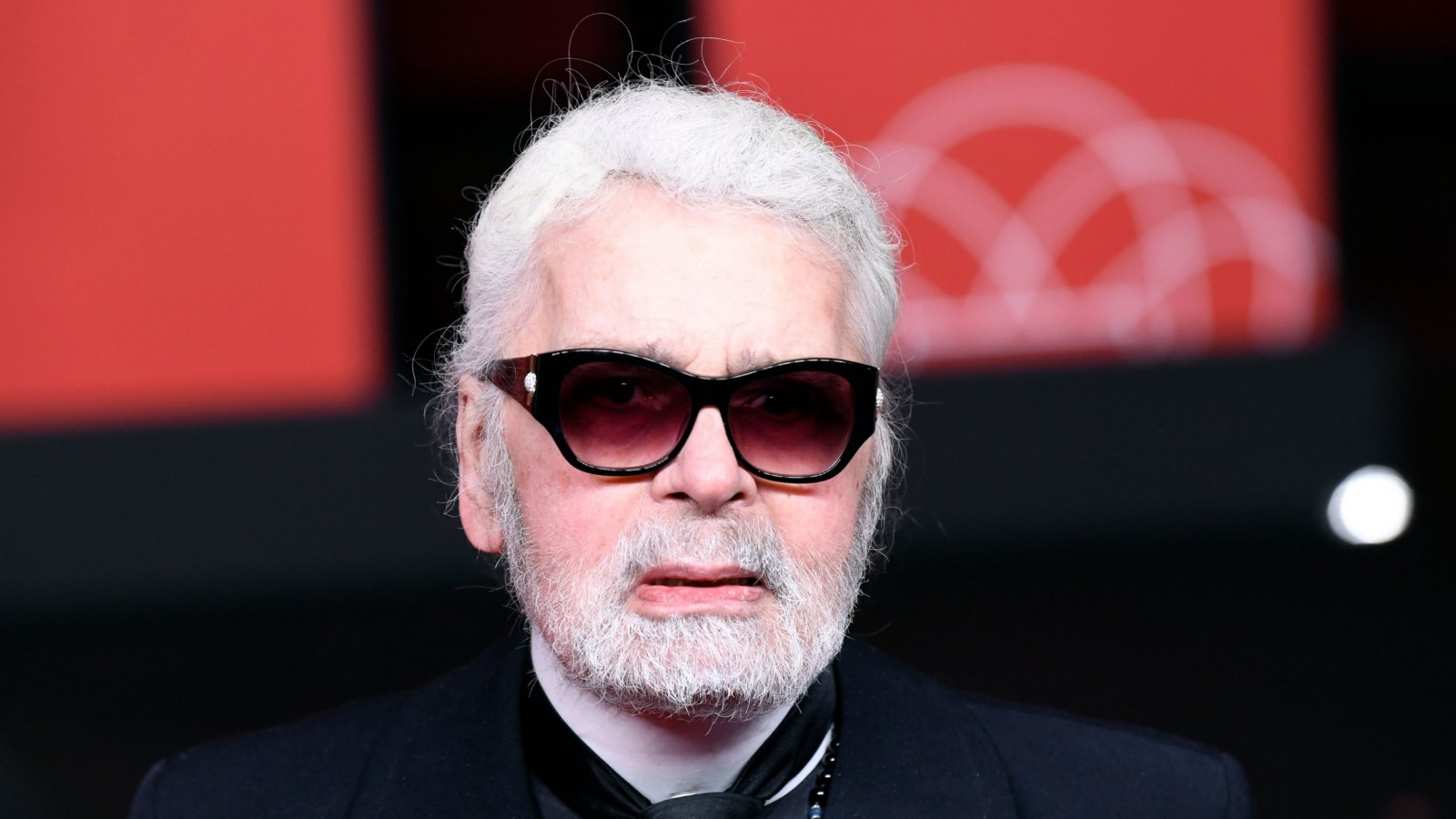 Karl Lagerfeld Net Worth One Of Fashion S Greatest Designers Made Chanel Relevant Again