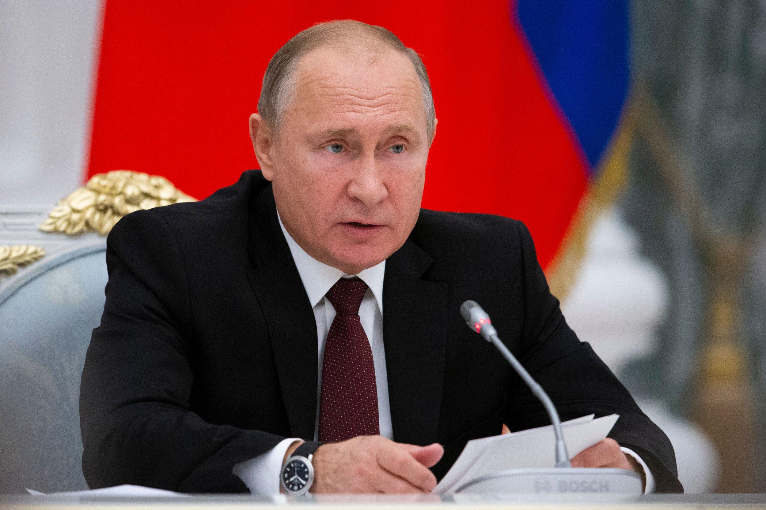Vladimir Putin nuclear weapons missiles Europe