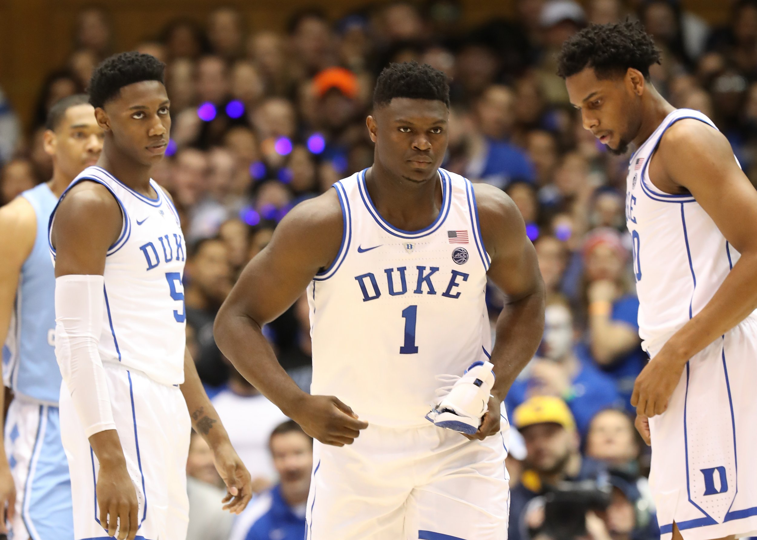 dc1d22842a2e Nike Shoe Blowout   1.12 Billion Wiped Off Swoosh Brand s Stock after Zion  Williamson s Injury