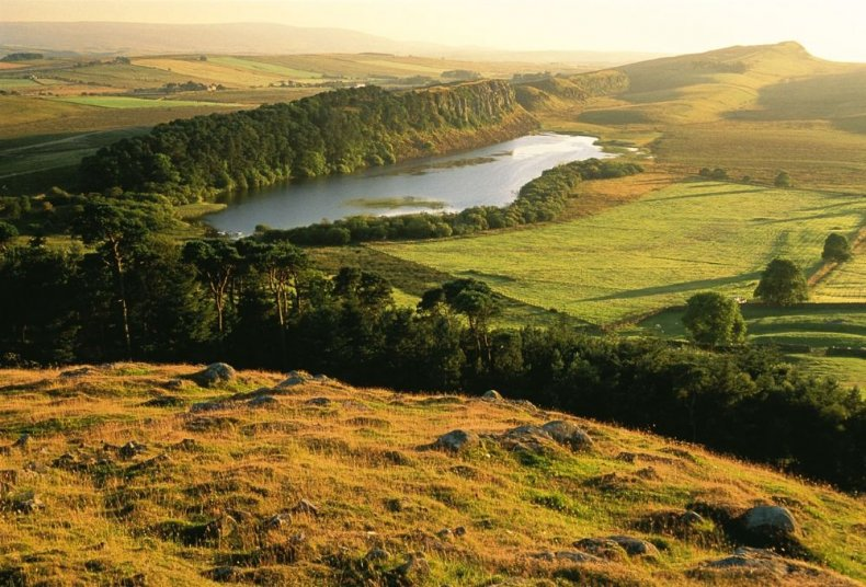 Best Walking Tours - Explore Hadrian's Wall on the National Trail in England