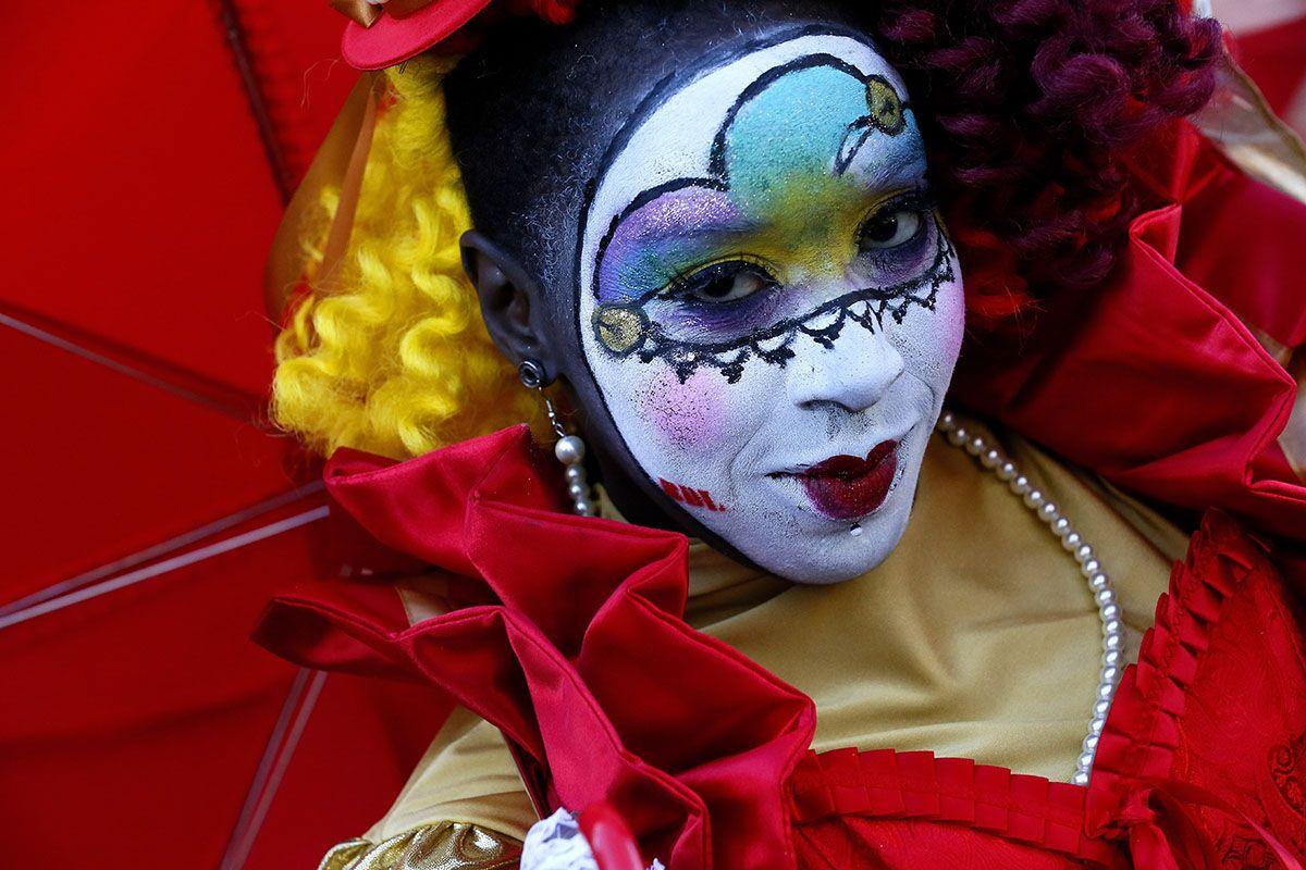 18 Mardi Gras costumes