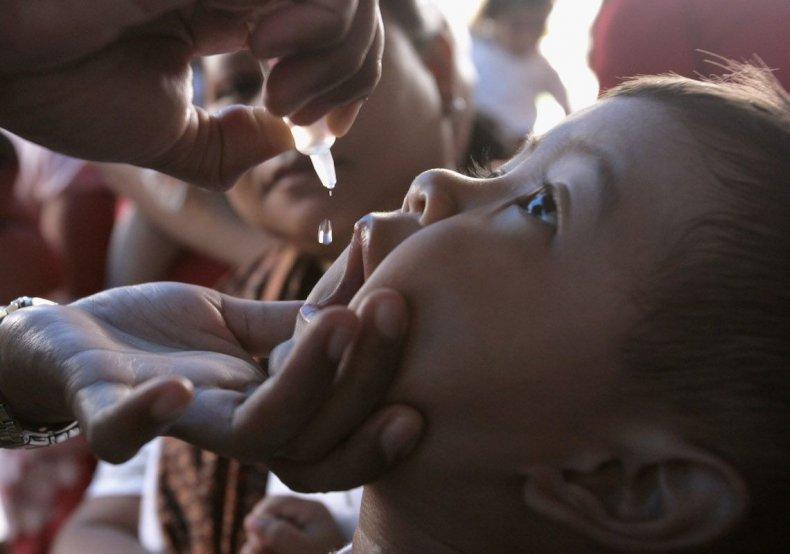 4 vaccine vacination anti-vax myths