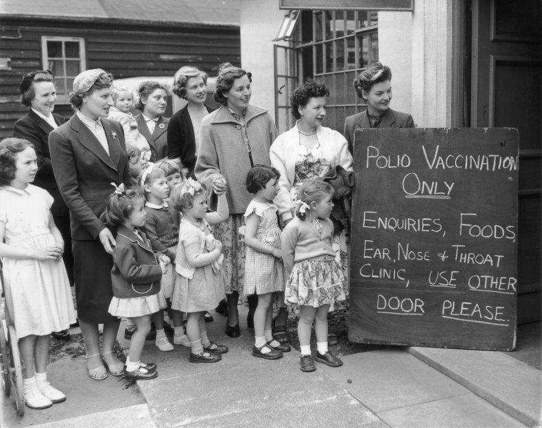 8 vaccine vacination anti-vax myths