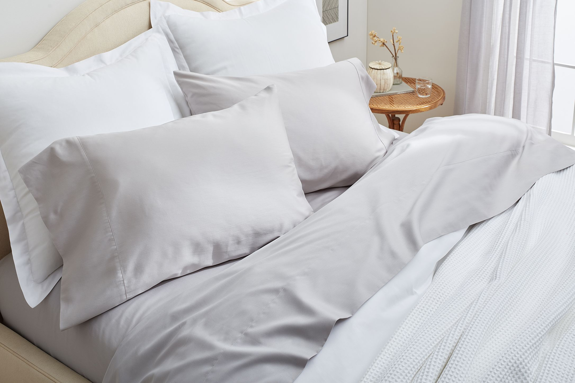 does boll branch s promise of soft sustainable sheets hold up. Black Bedroom Furniture Sets. Home Design Ideas