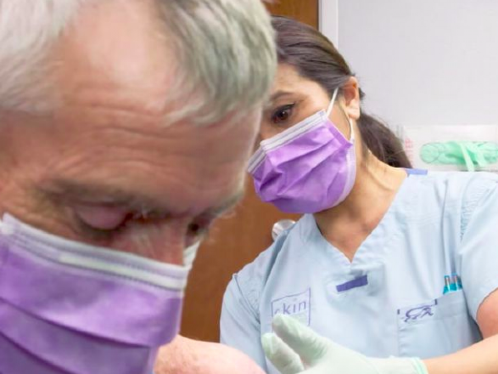 Where Is 'Dr  Pimple Popper' Subject Leonard Now? Update on
