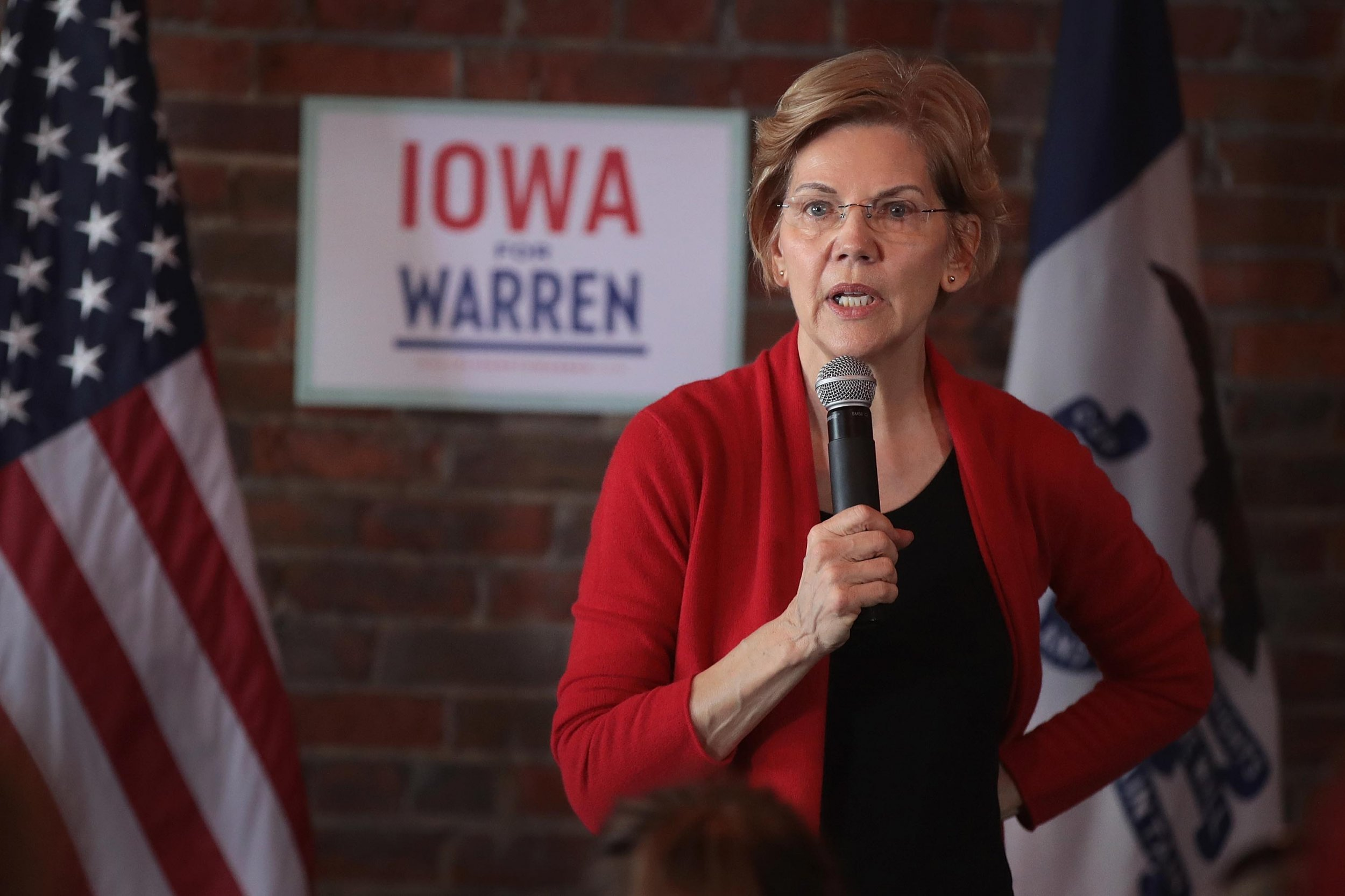 Elizabeth Warren fox news propaganda machine donald trump