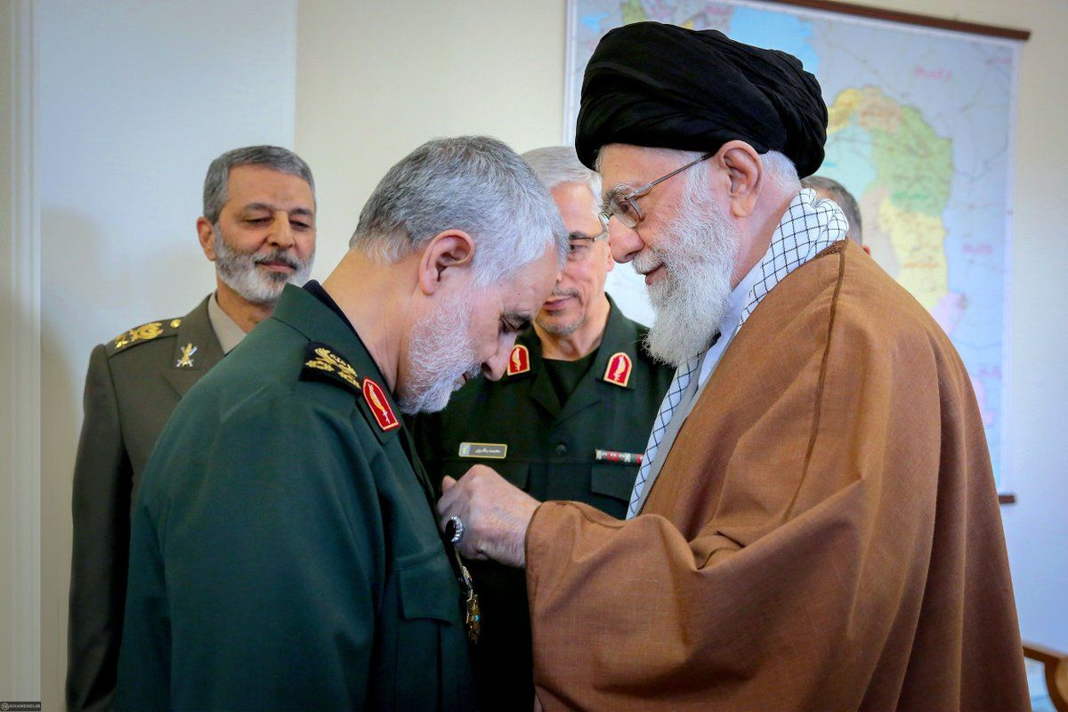IranSoleimaniAwardKhamenei
