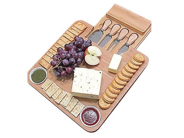Kitchen Deals - Bamboo Cheese Board & Cutlery Set + 2 Ramekins