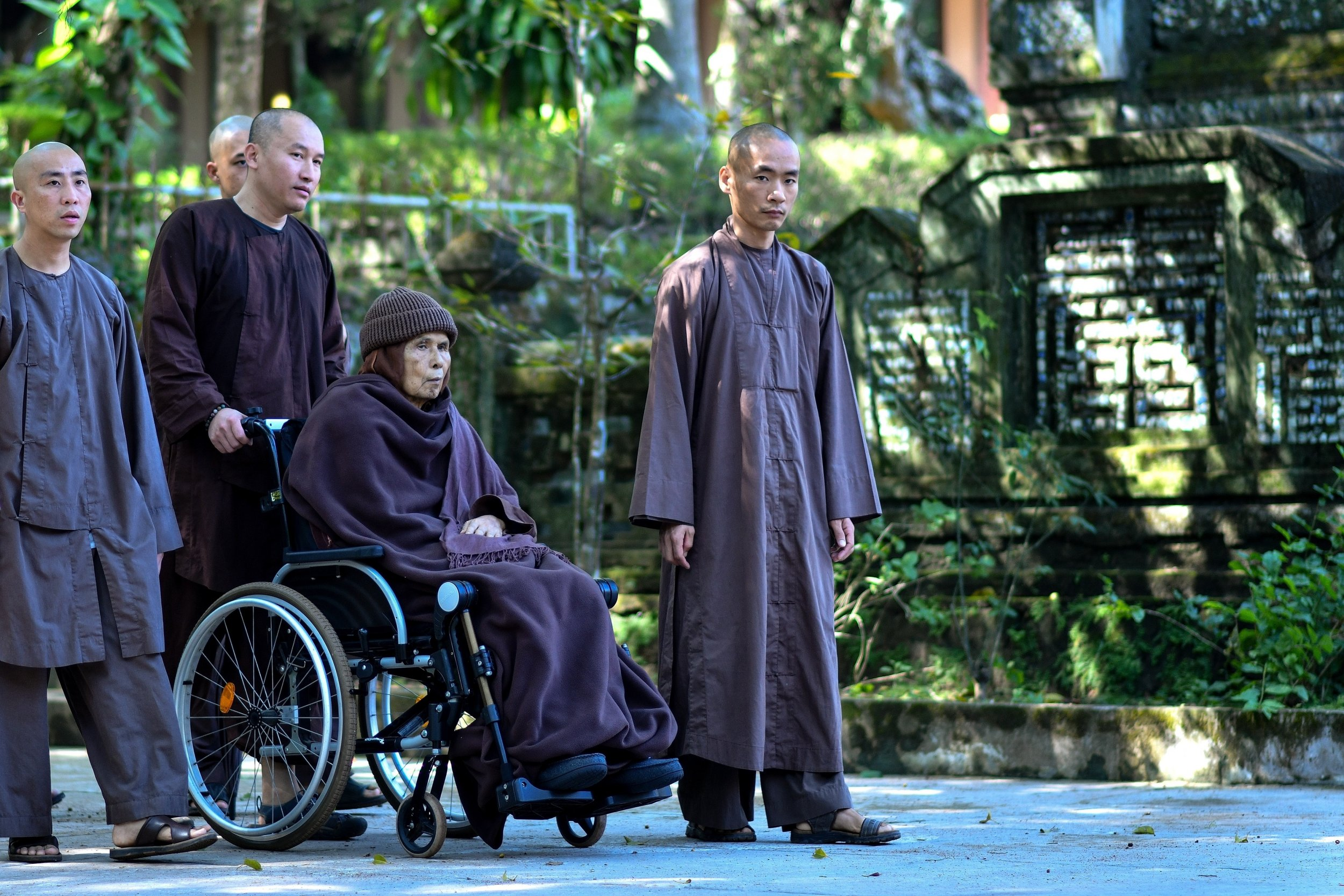 Thich Nhat Hanh The Buddhist Monk Responsible For The Mindfulness
