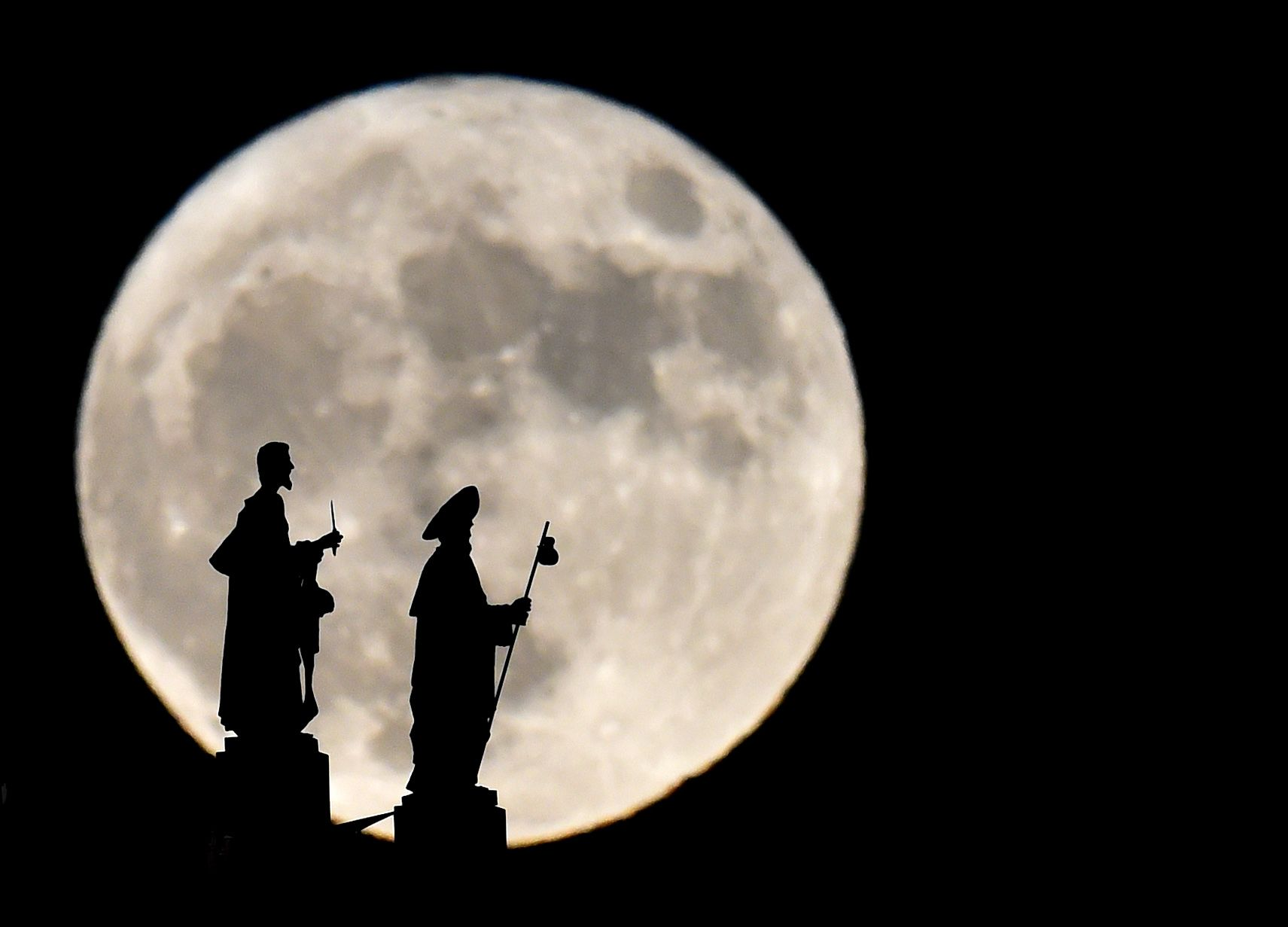 super moon getty images