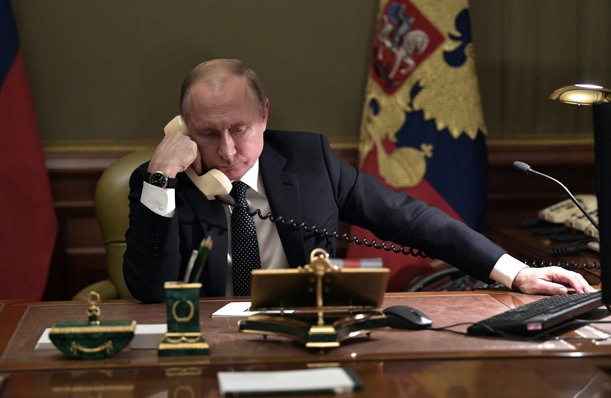 Vladimir Putin sanctions Russia U.S.