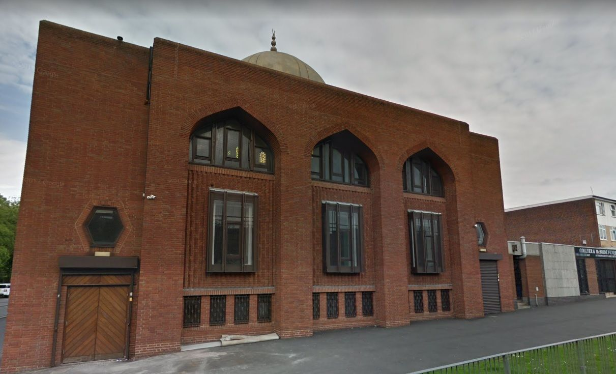 UK: Five Birmingham mosques attacked with sledgehammer