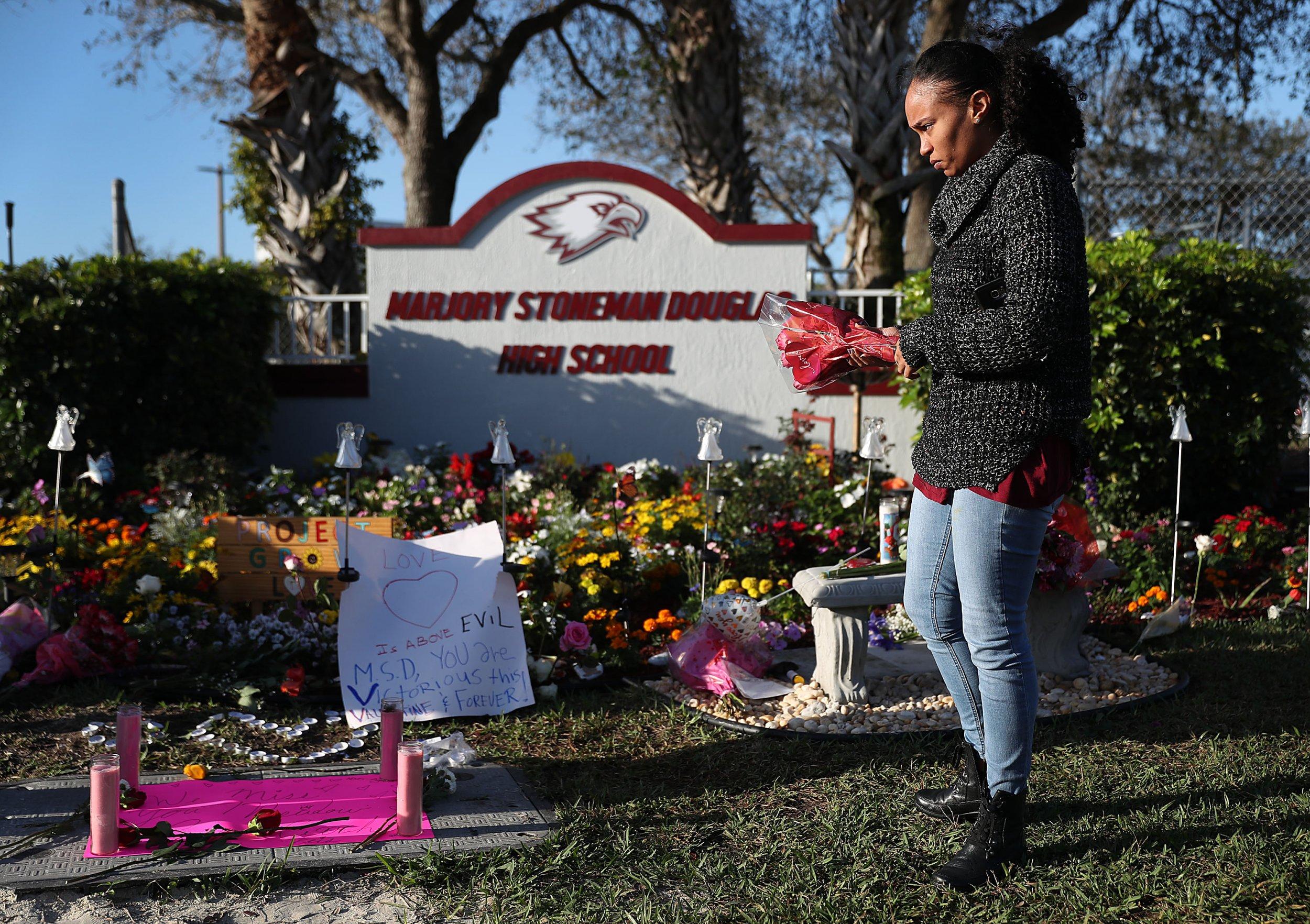 parkland florida shooting memorial