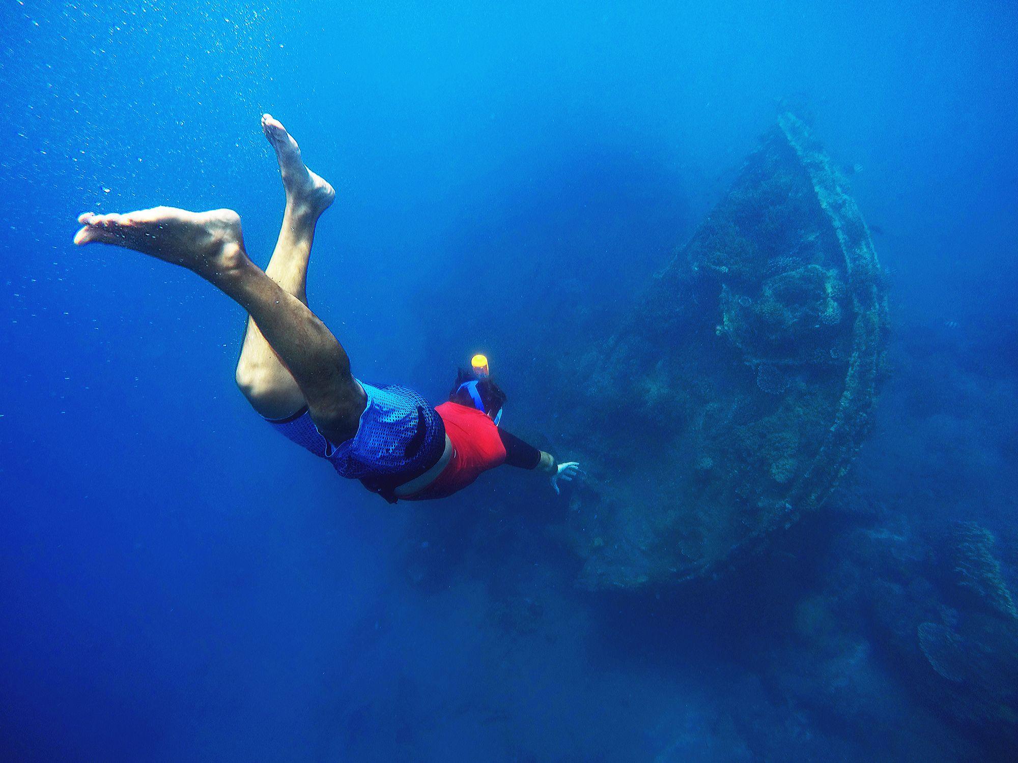 shipwreck dive scuba diving