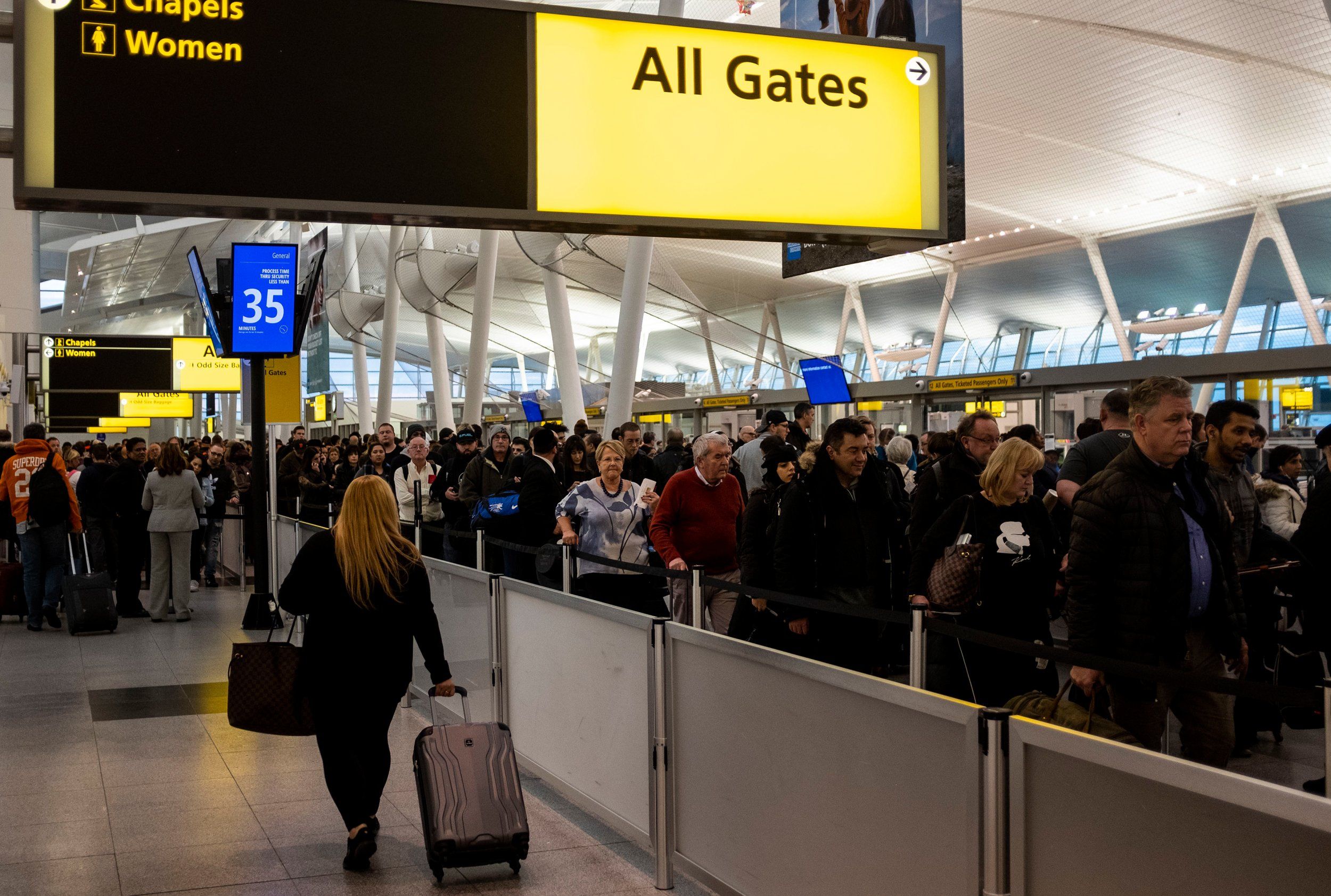 airport lines outage