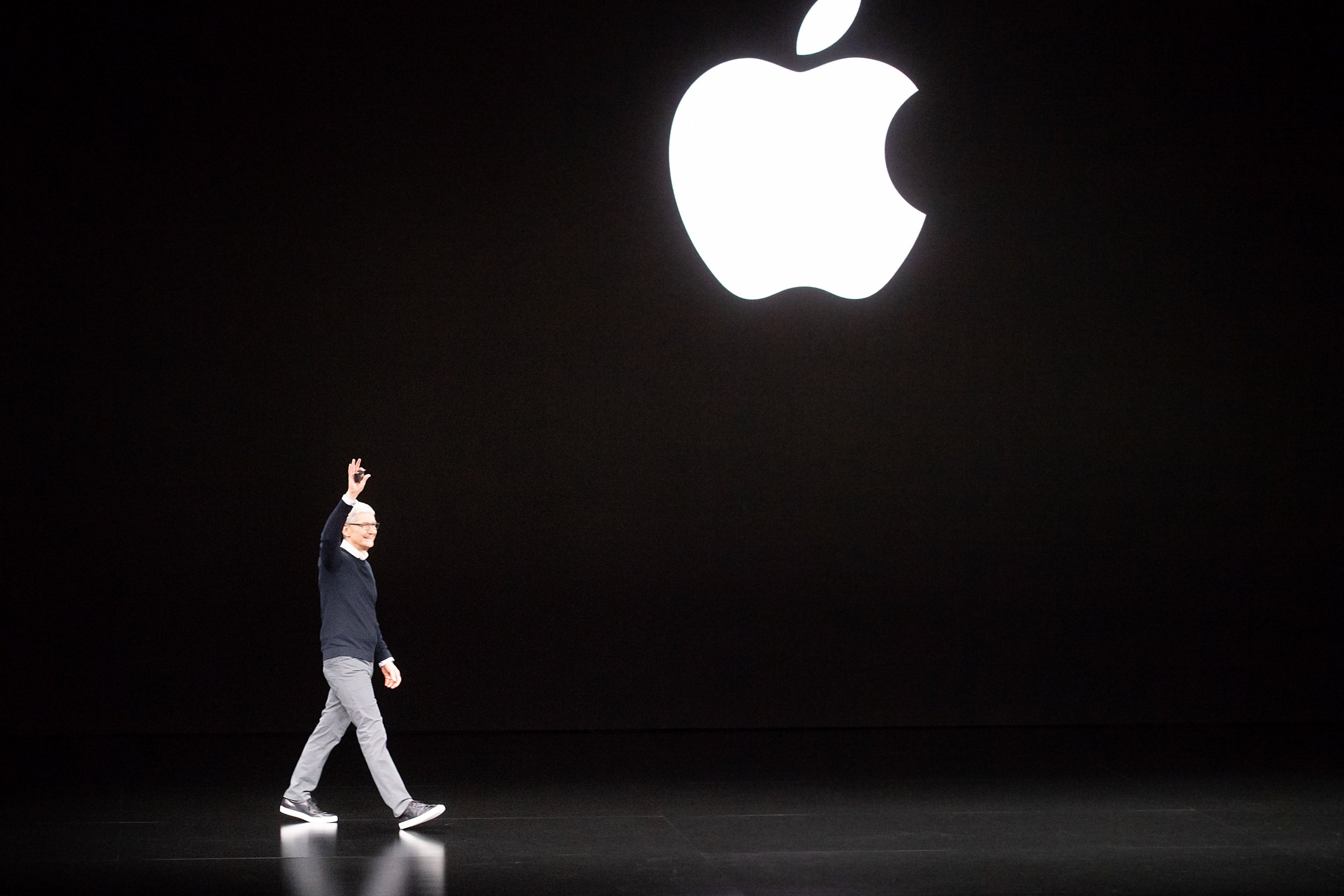 Why Apple Fell after Unveiling Its New Services on March 25