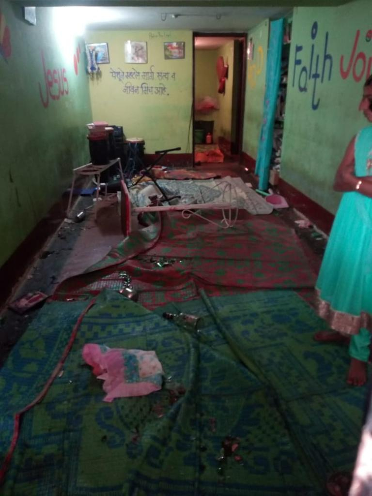 Hindu attacks on Christians in India //Kolahpur house church