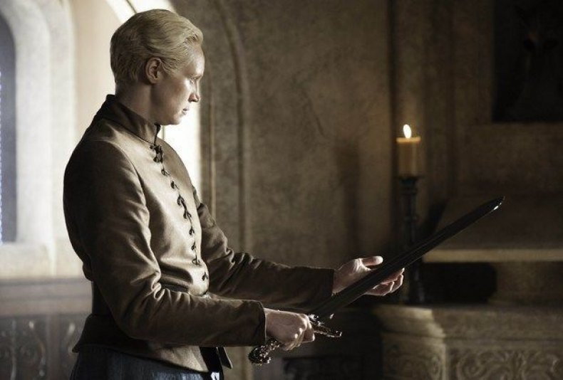 game-of-thrones-season-8-valyrian-steel-swords-oathkeeper