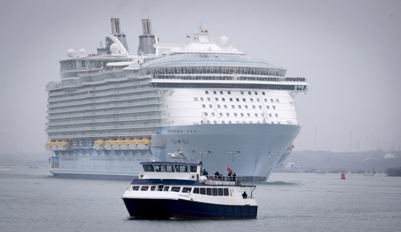Cruise Ship, Crash