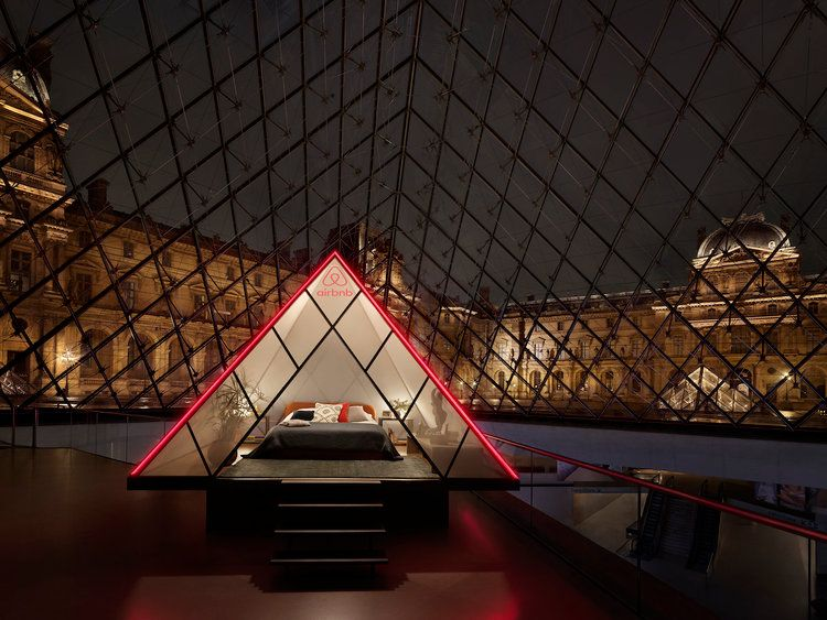 Louvre with Airbnb